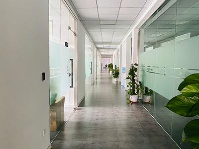 中卓智能-公司走廊